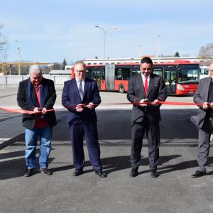 CNG autobusy českobudějovické MHD načerpají plyn z nové stanice