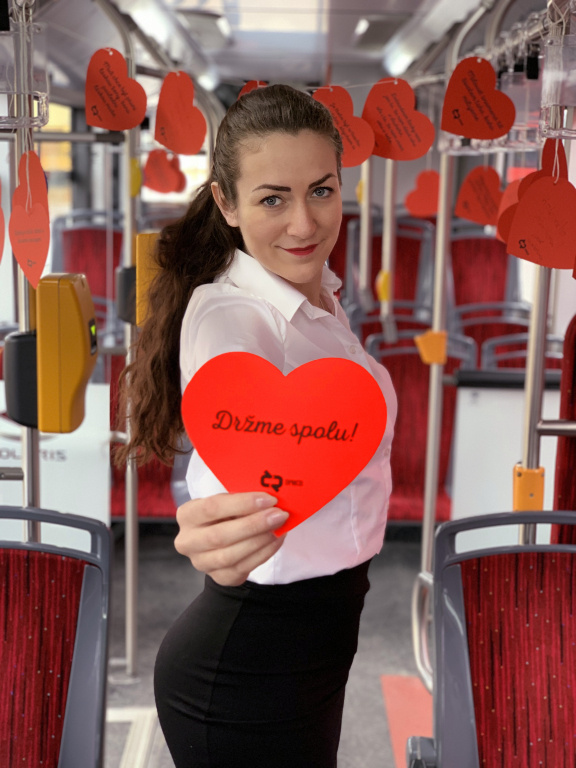 Utrhněte si lásku! Budějovickou MHD zaplaví Valentýnky