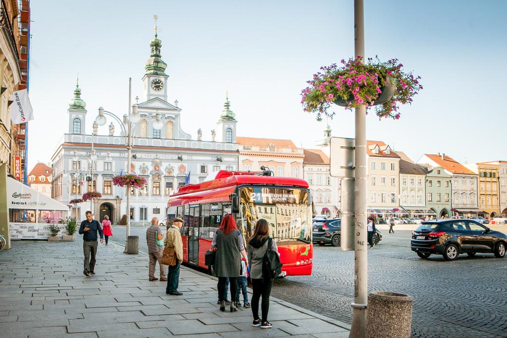Uzavírka mostu v ulici Karla IV. nezmění obsluhu zastávek MHD