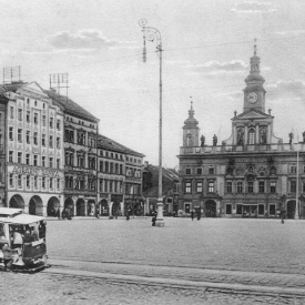 Dobové foto – Náměstí Přemysla Otakara II.