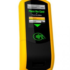 Platba jízdného kartou ve všech vozech MHD na dosah ruky.