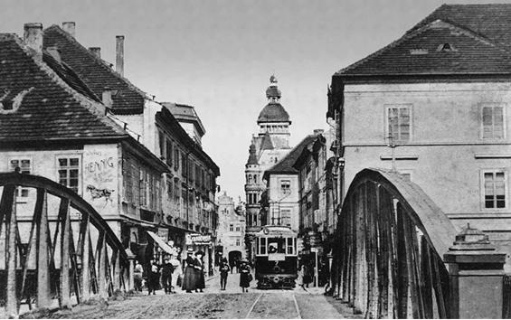 Most přes Malši u divadla